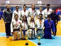 BURAK YILDIRIM - Bayanlar Şampiyon, Erkekler İkinci Oldu