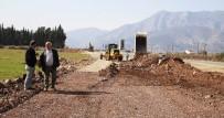 YENIKÖY - Döşemealtı Yeniköy Mezarlık Yolu Yapılıyor