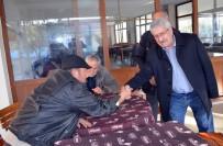 CELAL KILIÇDAROĞLU - 'Evet' diyen Celal Kılıçdaroğlu kapı kapı gezip destek istedi