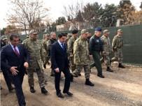 AHMET KARATEPE - Genelkurmay Başkanı Orgeneral Akar, Sınır Birliklerini Ziyaret Etti