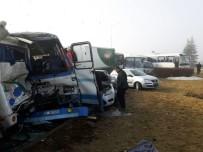 İŞÇİ SERVİSİ - Konya'da Zincirleme Trafik Kazalarında 38 Kişi Yaralandı