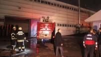Korkutan Fabrika Yangını Açıklaması 5 İşçi Zehirlendi