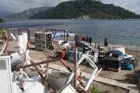 BELEDİYE ENCÜMENİ - Marmaris'te Sahildeki Kaçak Yapılar Yıkılıyor