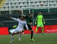 MUSTAFA YUMLU - Mustafa Yumlu İlk Maçına Çıktı