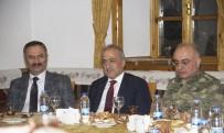 AYHAN ÇELIK - Rektör Çomaklı'dan Adalet Akademisi Başkanı Yılmaz Akçil'e Yemek