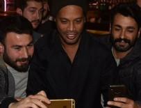 RONALDİNHO - Ronaldinho İstanbul'un keyfini sürüyor