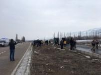 OTOBÜS ŞOFÖRÜ - Sivas'ta Yolcu Otobüsü Devrildi Açıklaması 1 Ölü, 36 Yaralı