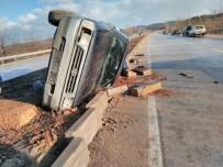 Yolda Kayan Kamyonet Takla Attı Açıklaması 1 Yaralı