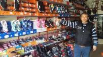 AHMET LEVENT - Hırsızlar Para Bulamayınca 50 Çift Ayakkabı Çaldı