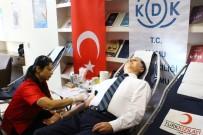 KAMU DENETÇİLİĞİ - Kamu Başdenetçisi Şeref Malkoç Kan Bağışladı
