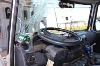 TOPRAK MAHSULLERI OFISI - Minibüsçüler Arasında Kavga Açıklaması 4 Yaralı