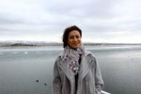 SES SANATÇISI - Azeri Sanatçı Azerin, 15 Temmuz Darbe Girişimini Eserleri İle Anlatıyor