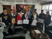 SAVAŞ KONAK - Silopi'de Başarılı Öğrencilere Kaymakamdan Ödül
