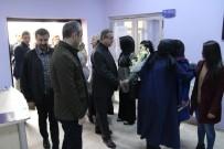ŞIRNAK VALİSİ - Şırnak Valisi Su, Kadın Kültür Merkezini Ziyaret Etti