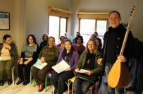 SIPSI - Sümer Ezgü Antalya'da Kurduğu Akademiyle 7'Den 70'E Müzik Eğitimi Veriyor