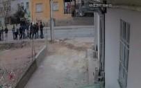 CENGIZ TOPEL - Suriyelilerin Taşlı Sopalı Kavgası Kamerada