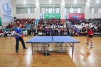 BAĞCıLAR BELEDIYESI - Bağcılar Belediyesinden Amatör Spor Kulüplerine Maddi Yardım