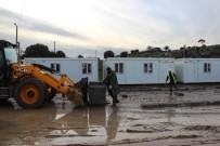 FUTBOL SAHASI - Deprem Bölgesine Konteyner Evler Kuruluyor
