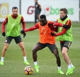 FLORYA METIN OKTAY TESISLERI - Galatasaray'da Kayserispor Maçı Hazırlıkları