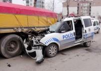 MURAT AYDıN - Polis Otosu Park Halindeki Tıra Çarptı Açıklaması 1 Polis Yaralı