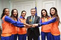 AVRUPA ŞAMPİYONU - Üsküdarlı Altın Kızlardan Avrupa'da Bir İlk