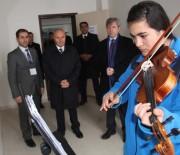 AHMET ÇıNAR - Vali Çınar'dan Okul Ziyaretleri