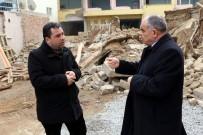 YIKIM ÇALIŞMALARI - Yahyalı'da Bina Yıkımları Devam Ediyor
