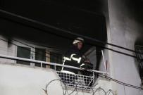 MUSTAFA YıLDıZ - Adana'da Üniversite Öğrencileri Evinde Korkutan Yangın