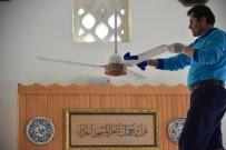 TEMİZLİK ARACI - Alanya Belediyesi Cami Temizliğine Devam Ediyor