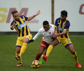 Galatasaray'dan 4 gollü prova