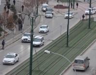 ARAÇ SAYISI - Gaziantep'te Bir Yılda 17 Bin Araç Arttı