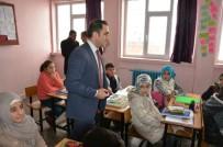 MUHAMMED ALI - Güroymak'taki Öğrencilere Kırtasiye Ve Kitap Yardımı