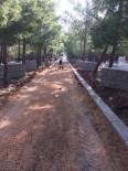 BÜYÜKKÖY - Mezarlık Yoluna Parke Taşı