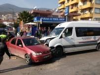 Milas'ta Yolcu Minibüsü İle Otomobil Çarpıştı, 1 Yaralı