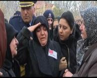 ŞEHİT ÜSTEĞMEN - Şehit Üsteğmeni Annesi Asker Selamıyla Uğurladı