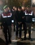 JANDARMA KARAKOLU - Sigara Dağıtım Aracını Yakanlar Tutuklandı