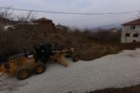 ÇOLAKLı - Yukarı Çolaklı Mahallesinde Stabilize Ve Çevre Düzenleme Çalışması Yapıldı