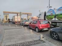 FERİBOT SEFERLERİ - Çanakkale'de Yoğun Sis Deniz Ulaşımını Etkiledi