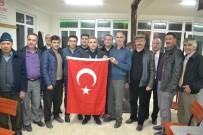 KARARSıZLıK - CHP'li Başkan Biçki'den Türk Bayraklı Referandum Ziyareti