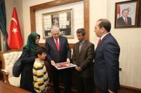 Şehit Ailesi İçin Yaptırılan Evin Anahtarı Başbakan Yıldırım'dan