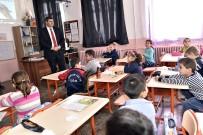 SAĞLIKLI BESİN - Tosya'da Öğrencilere Kuru Üzüm Dağıtılıyor