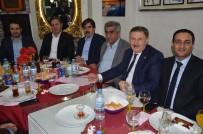 AK Parti'li Eski Başkanlar Yemekte Bir Araya Geldi