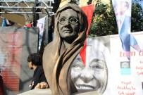 MURAT HAZINEDAR - Beşiktaş'ta Bir Parka Zübeyde Hanım Heykeli Dikildi