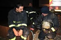 İTFAİYE ERİ - Bursa'da 11. Katta Çıkan Yangın Büyümeden Söndürüldü