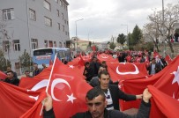 Diyarbakır'da 400 Metrelik Türk Bayrağı İle Teröre Tepki Yürüyüşü