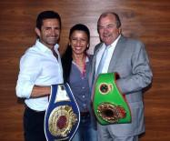 EDUARDO - Dünya Şampiyonu Özlem Şahin Ringe Çıkıyor