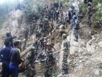 NEPAL - Nepal'de Otobüs 200 Metrelik Uçuruma Yuvarlandı Açıklaması 26 Ölü