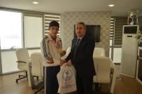 BOKSÖR - Şampiyon Korkmaz'dan, Gençlik Hizmetleri Ve Spor İl Müdürlüğü'ne Ziyaret