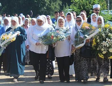 Srebrenitsa annelerinden Uluslararası Adalet Divanına tepki