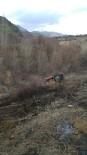 HEKİMHAN - Traktör Elektrik Direğine Çarpınca Yangın Çıktı